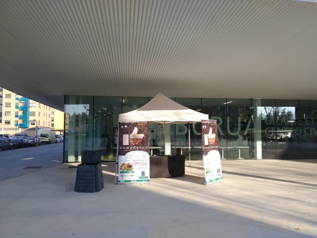 Vitoria Gasteiz punto información compostaje Vermican